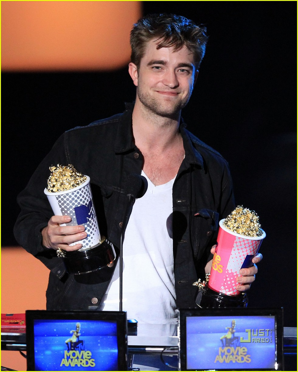Robert Pattinson Best Kiss