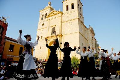 baile tradicional plaza