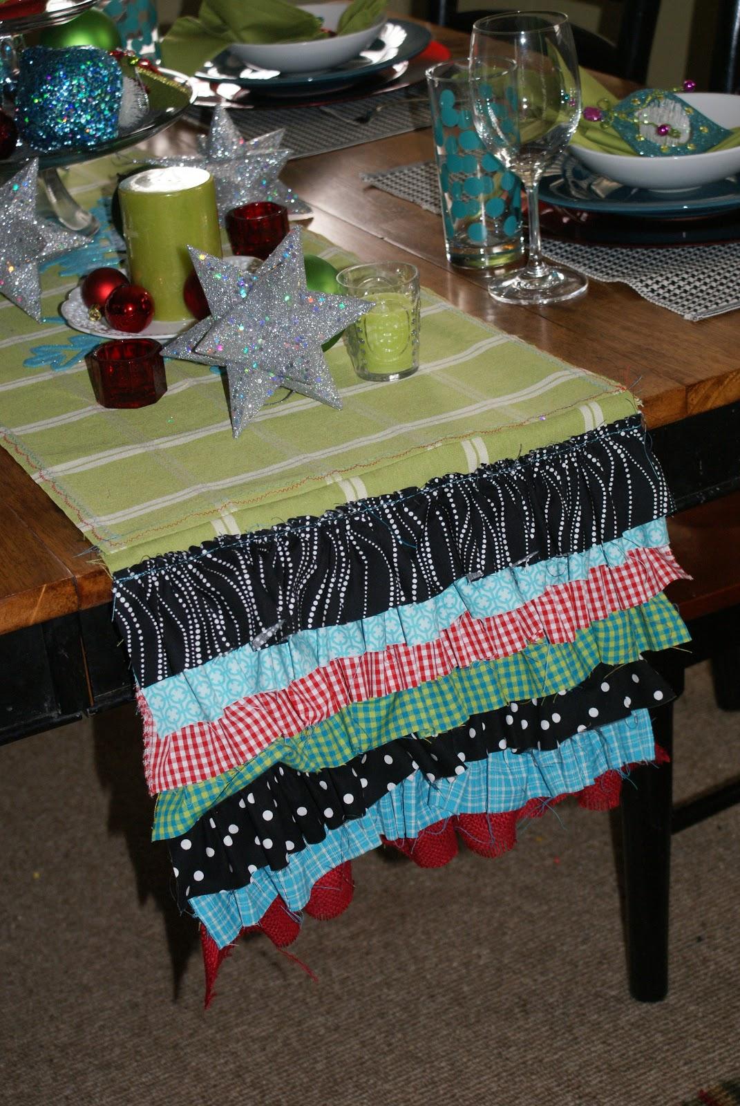 Christmas Table Runner: Ruffled Goodness!!!