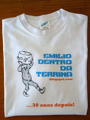 T-Shirt de divulgao do projecto pela reedio da trilogia do Emlio