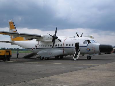 Pesawat CN-235 - 7 Pesawat Buatan Indonesia Komersial dan Tempur - www.iniunik.web.id