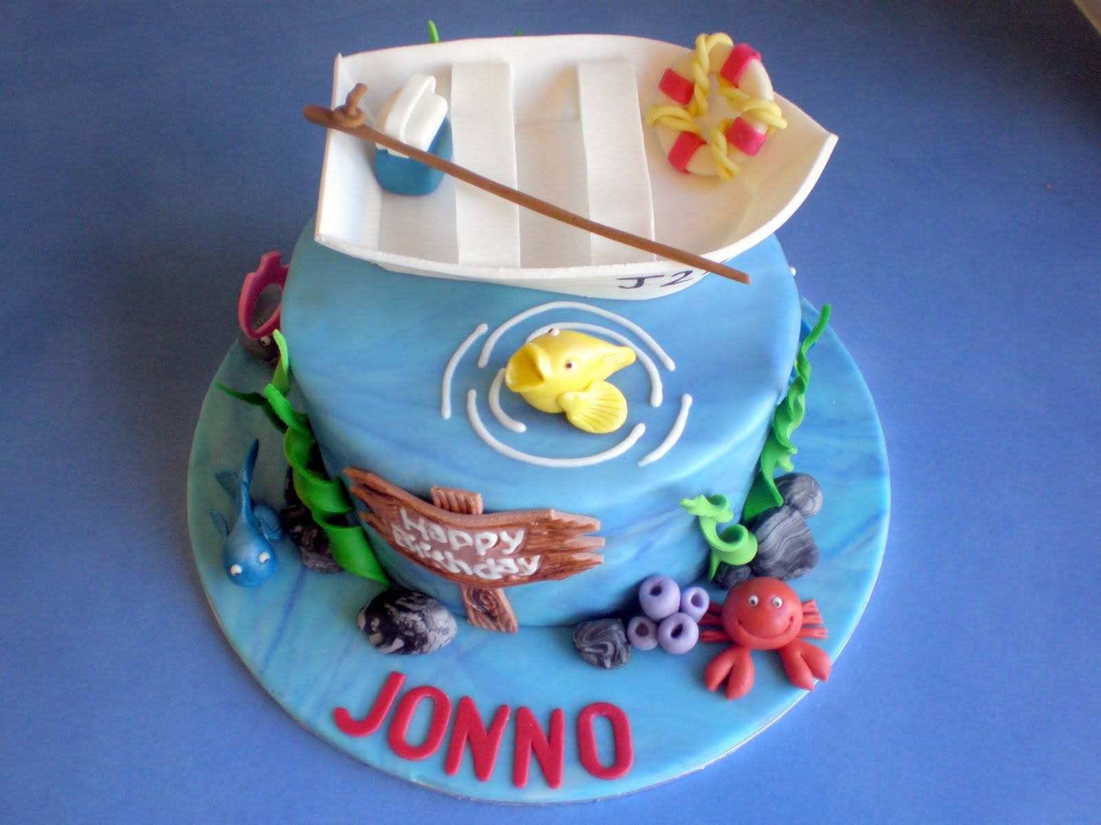 how to make a fish birthday cake