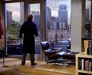 Frasier faces the city he's dissed.