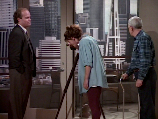 Frasier, Daphne, and Martin search the Seattle skyline