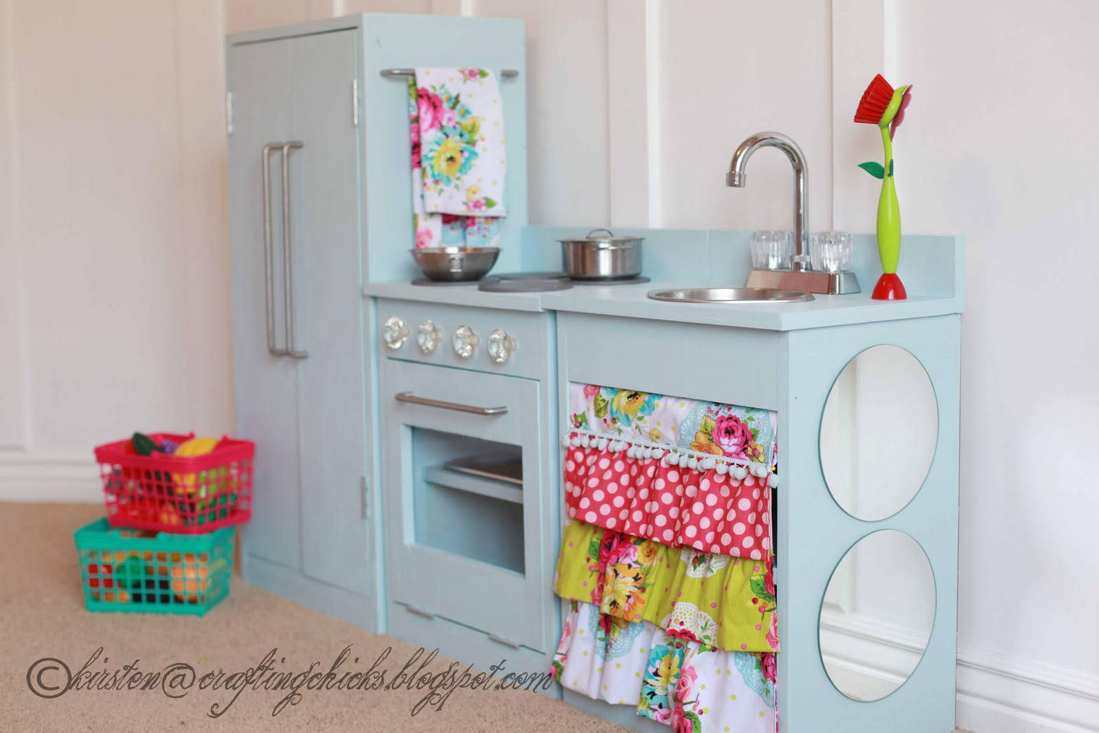 one haute kid pretty diy play kitchen