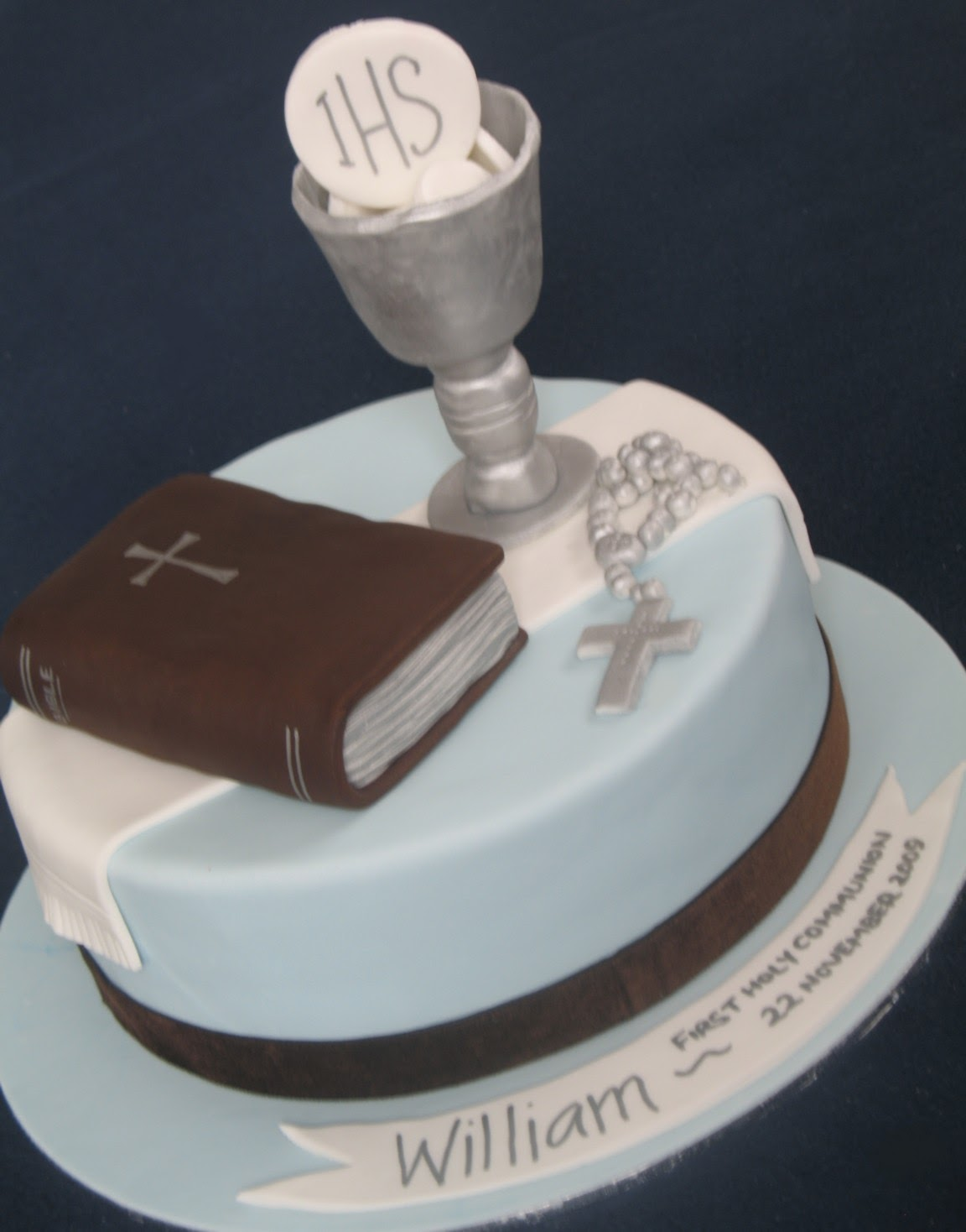 Blissfully sweet first holy communion cake for 1st holy communion cake decoration ideas