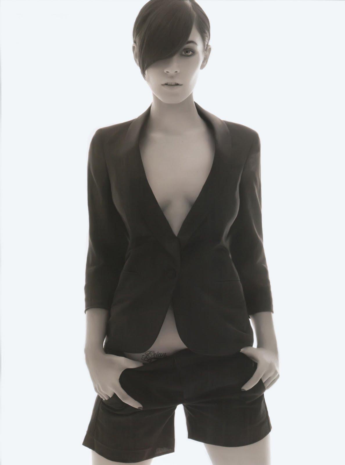 http://1.bp.blogspot.com/_Es99mwu1Xc4/S7xv6EcqvlI/AAAAAAAAJFA/x8jT1KtiSlw/s1600/Megan-fox-allure-magazine6.jpg