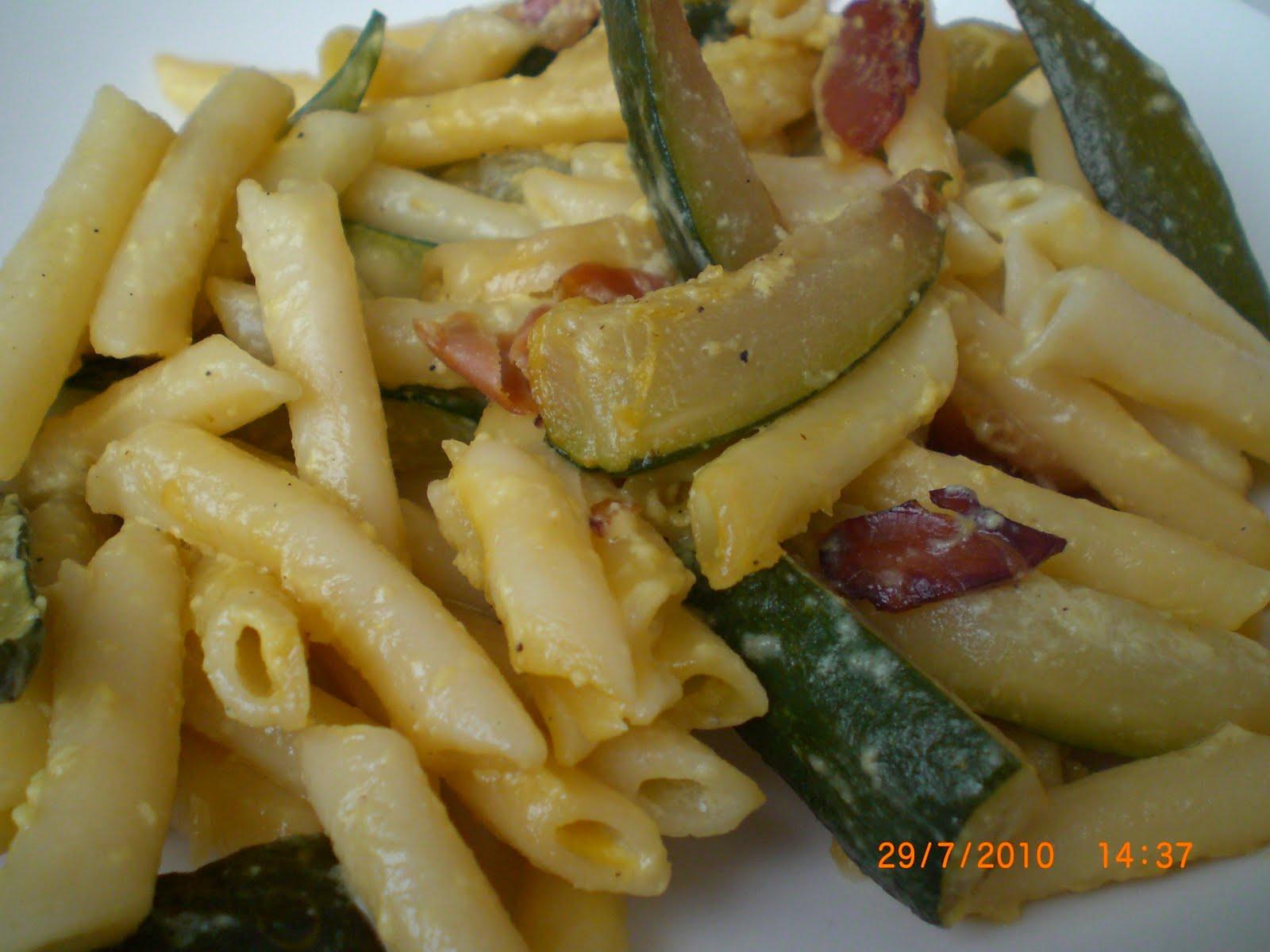 La cocina de tarta de fresa macarrones con calabacin de for Cocina 5 ingredientes jamie oliver
