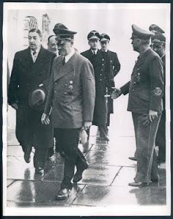 http://1.bp.blogspot.com/_Eu4d4GXAEUo/TP9FZq-Bl3I/AAAAAAAAEjE/9LGcuChveHo/s1600/Hitler__Yugoslavian_PM_Dragisa_Cvetkovic_L_at_Berchtesgaden_14_2_41.jpg