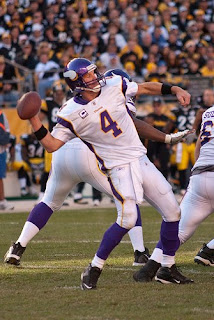 Brett Favre Throwing a Pass