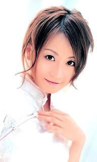 她來自台灣 - 愛玲