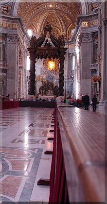 Interior de la Basílica, al fondo Baldaquín de San Pedro