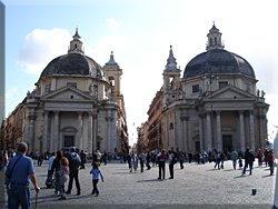Las iglesias gemelas a la entrada de la Via del Corso