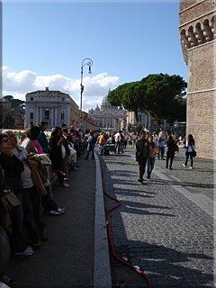 Ya se vislumbra San Pedro desde el Castel Sant'Angelo