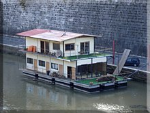 Casa flotante sobre el Tíber (Tevere)