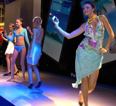 Digital promo-girls