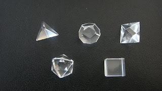 Tratamiento con solidos platonicos Solidos+platonicos+de+cuarzo
