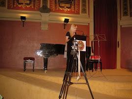 """Cristina recitando 2 poemas. El 1º de su libro """"Deshojando un Corazón"""" y el 2º de su nuevo poemario"""