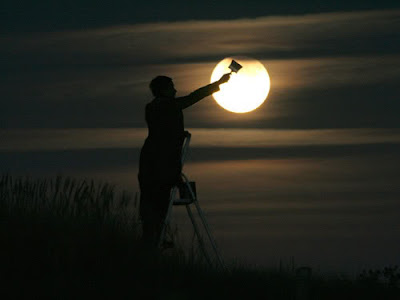 Painting Moon Illusion - Moon Optical Illusion