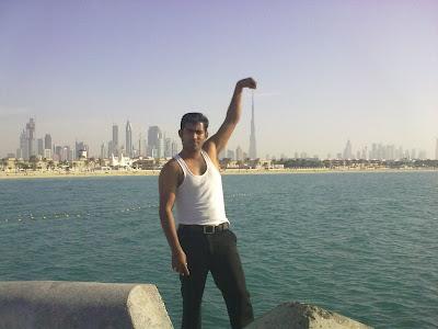 Holding Burj Dubai Khalifa Illusion