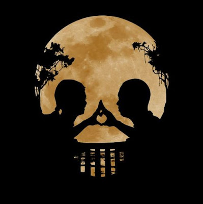 Couple, Moon and Skull Illusion