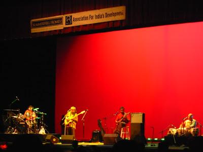 Hazaaron Khwaishein Aisi Indian Ocean Live In Concert