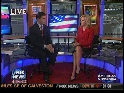 """Smoking RED HOT Jamie Colby w/ Bill Hemmer in Americas Newsroom """"in"""
