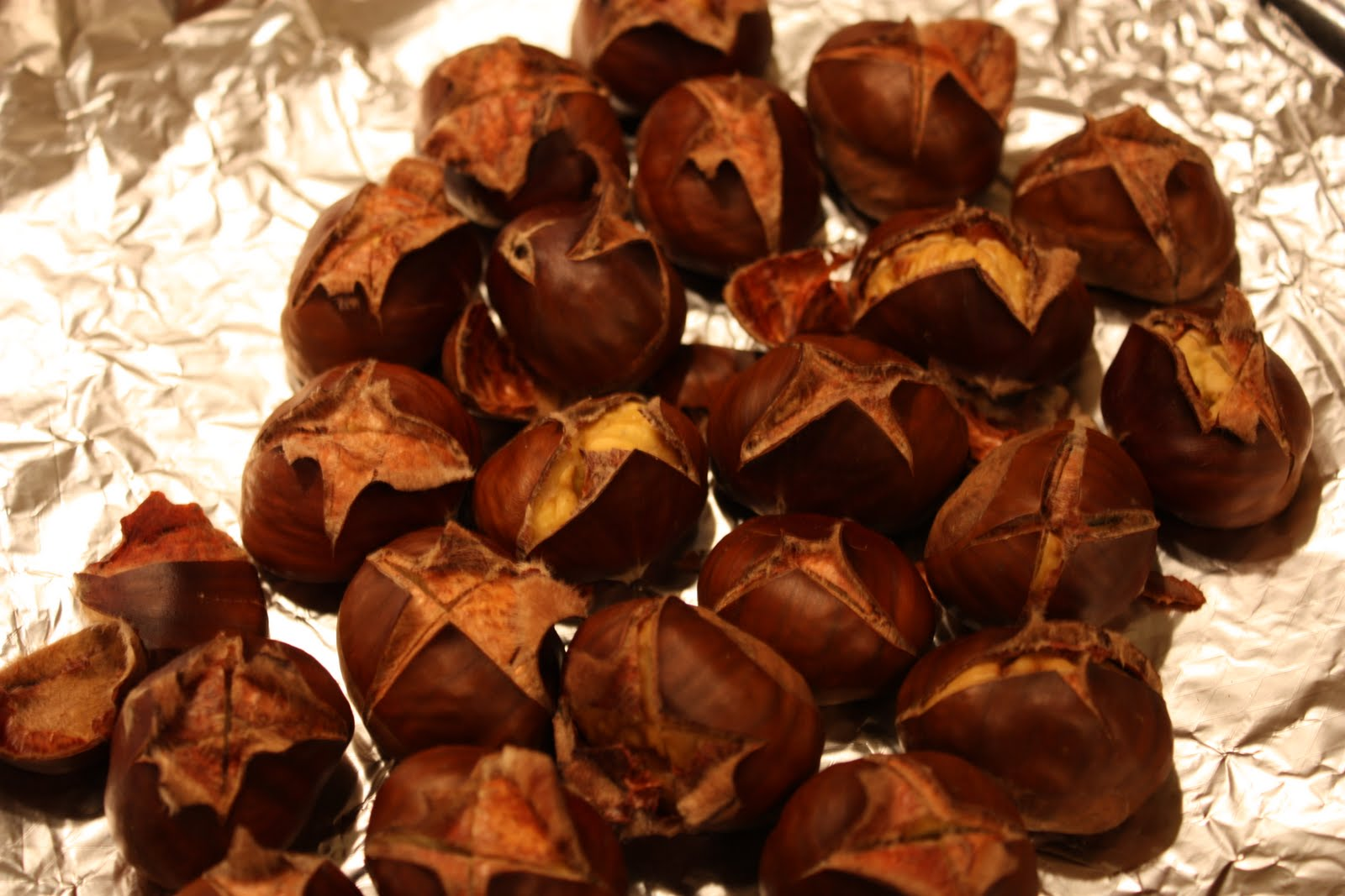 sUgArcrUnch: Roasted Chestnuts