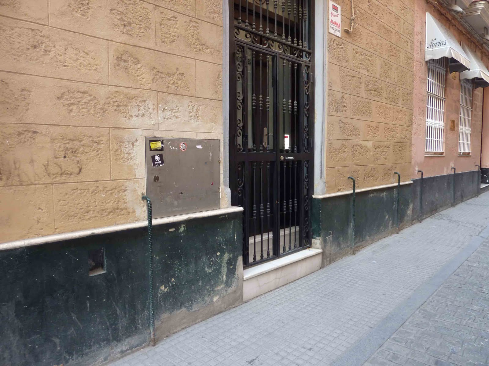 Zocalos de fachadas elegant fachadas con pintura plstica - Zocalos de fachadas ...