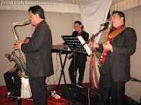 Wedding Singer singing live with the jazz band