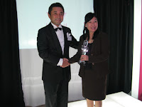 The award presentation to Wacoal's distributors