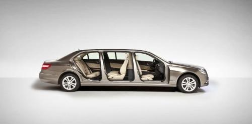 Famed limousine manufacturer Binz has given a special treatment to the W212 Mercedes-Benz E-Class. The car was stretched by 1.13 meters to almost six-meters ... & Welcome To My Blog B.Z: Mercedes E-Class W212 6-door stretch limousine