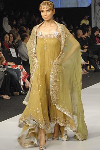 sobia nazir pfdc sunsilk fashion week day 4 18 - Latest Bridal dresses