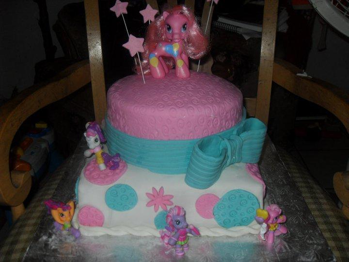 Chibi Delight Cakes: My Little Pony Bizcocho en Pasta Laminada