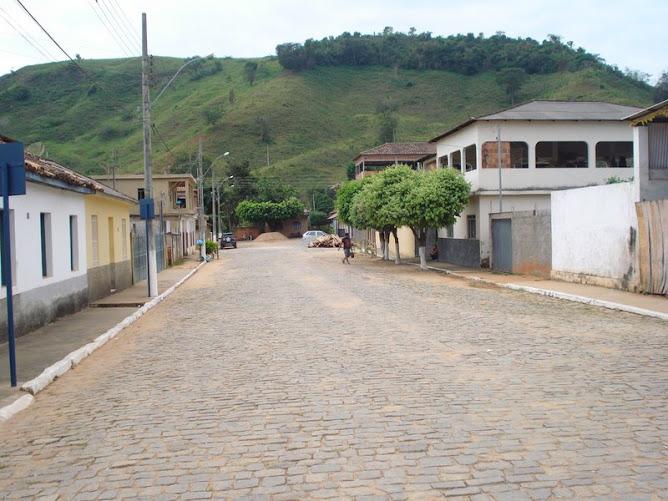 Rua expedionário Thaumaturgo - da Praça para dentro da rua