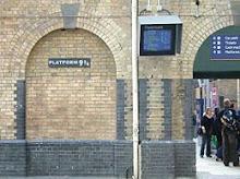 Plataforma 9 3/4 260px-Kings_Cross_Platform_9%252C75
