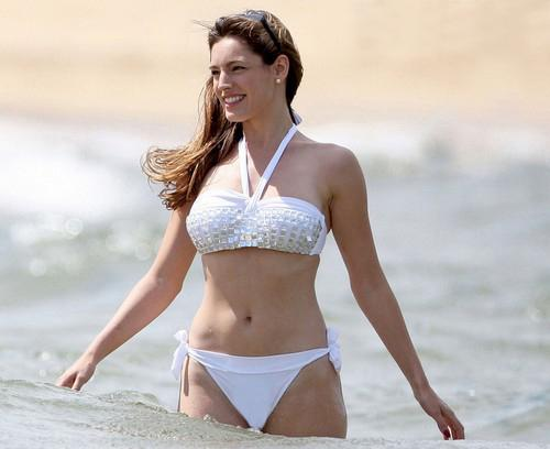 Kelly Brook Model Holliwood Celebrities Bikini Hottes 2
