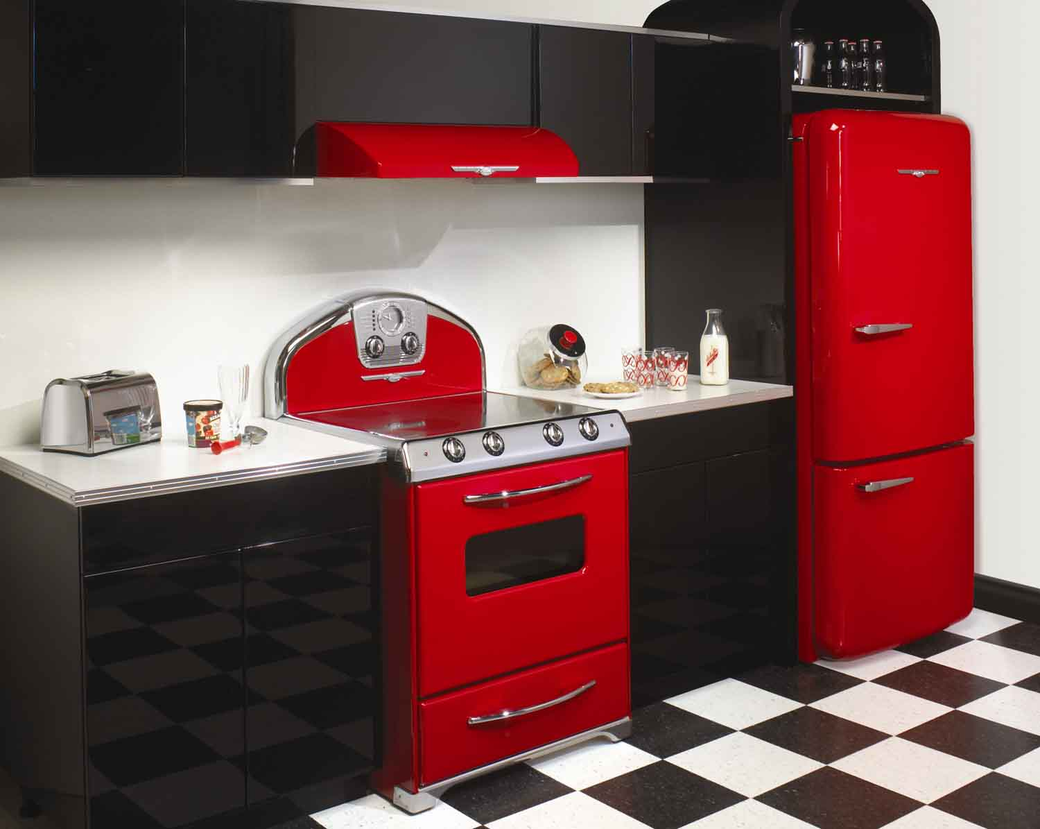 The daily tubber 1950 s kitchen - Black red and white kitchen designs ...