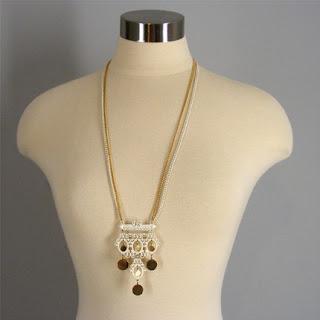 vintage jewelry, vintage necklaces, vintage accessories