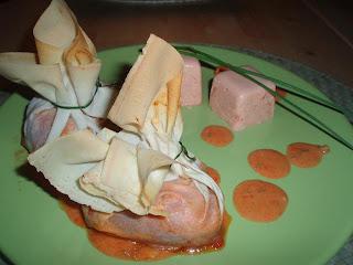 Saquitos de brick con pimientos del piquillo rellenos de - Pimientos rellenos de carne picada y bechamel ...