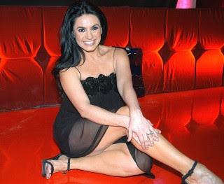 Penelope Menchaca vestido negro