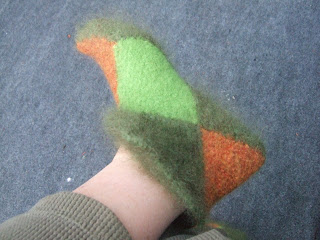 curlerchik knits: Norwegian house slippers or elf boots...