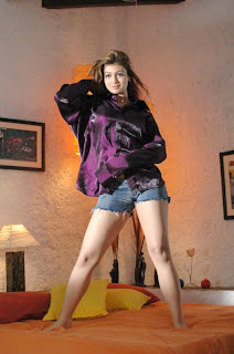 Super Hot Ayesha Takia Legs