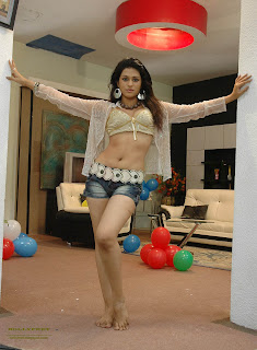 South Actress Shraddha Das - Hot and sexy body