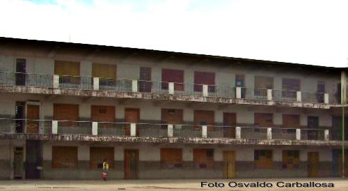 Vista parcial de las aulas del colegio.
