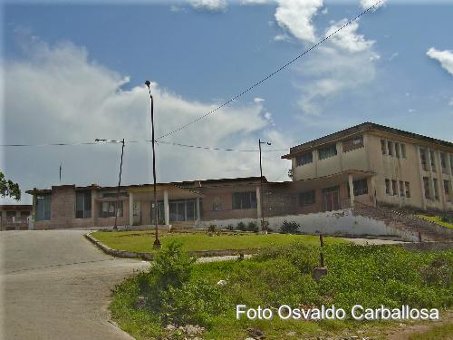 Fotos Situacion Actual del Edificio del Colegio Maristas de Holguin. Hoy conocido como la Fornet.