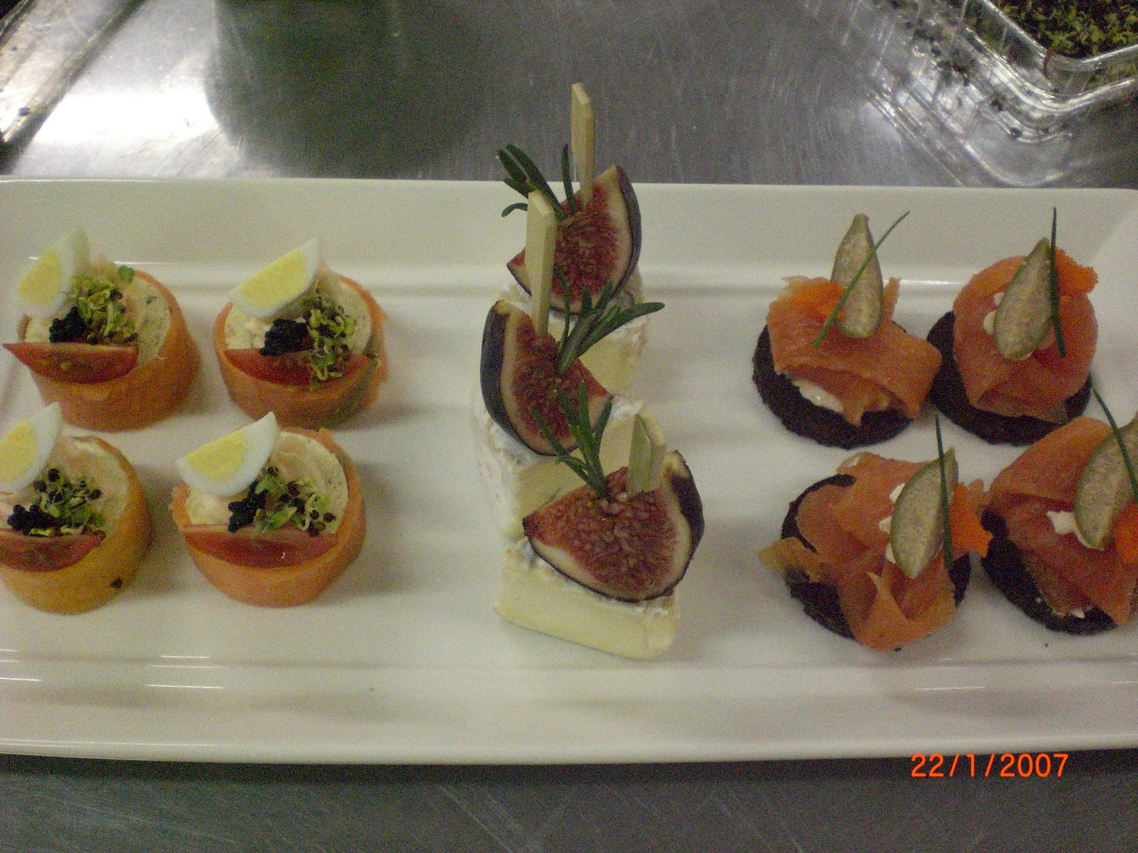 Stacey chan culinary blog homemade canapes for Smoked salmon roulade canape