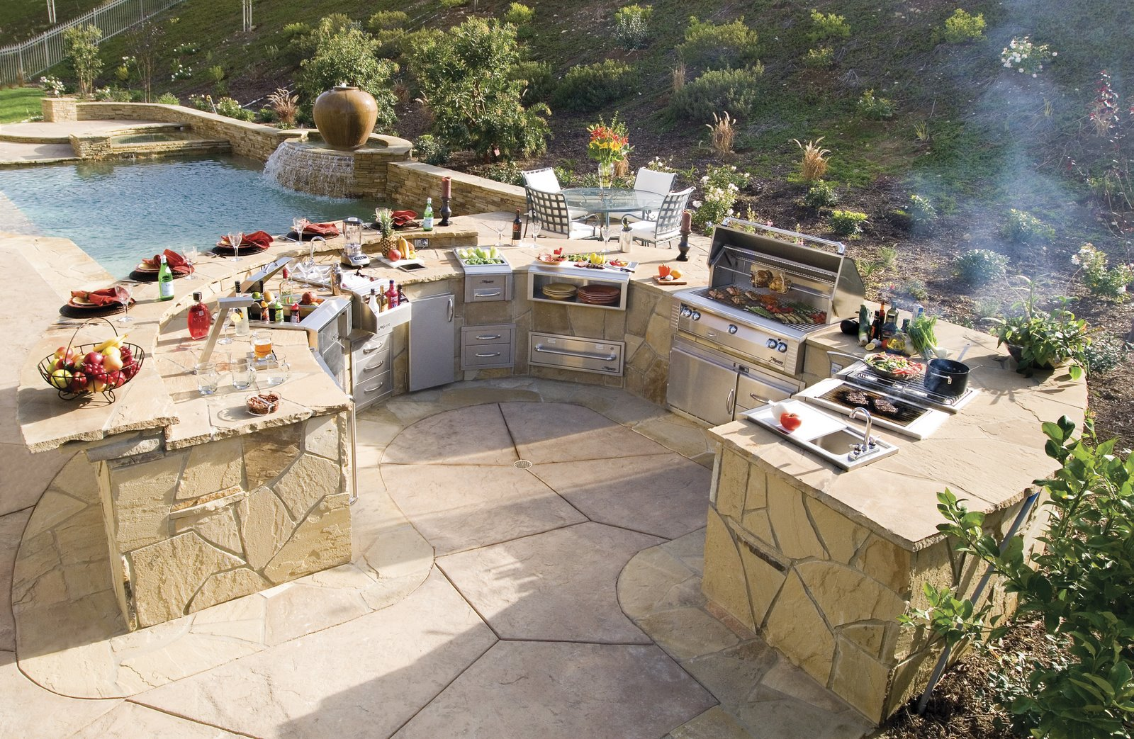 [Appl+Trends+-+Alfresco+Outdoor+Kitchen]