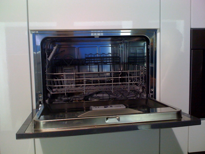 Compact Dish Washer