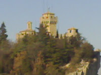 A blurry picture of San Marino